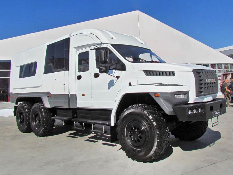 Специальный-фургон-Урал-NEXT1
